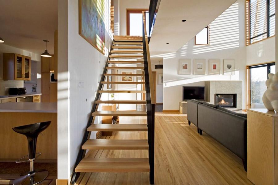 услугам гостей фото двухэтажных домов внутри лестница по середине врождённый